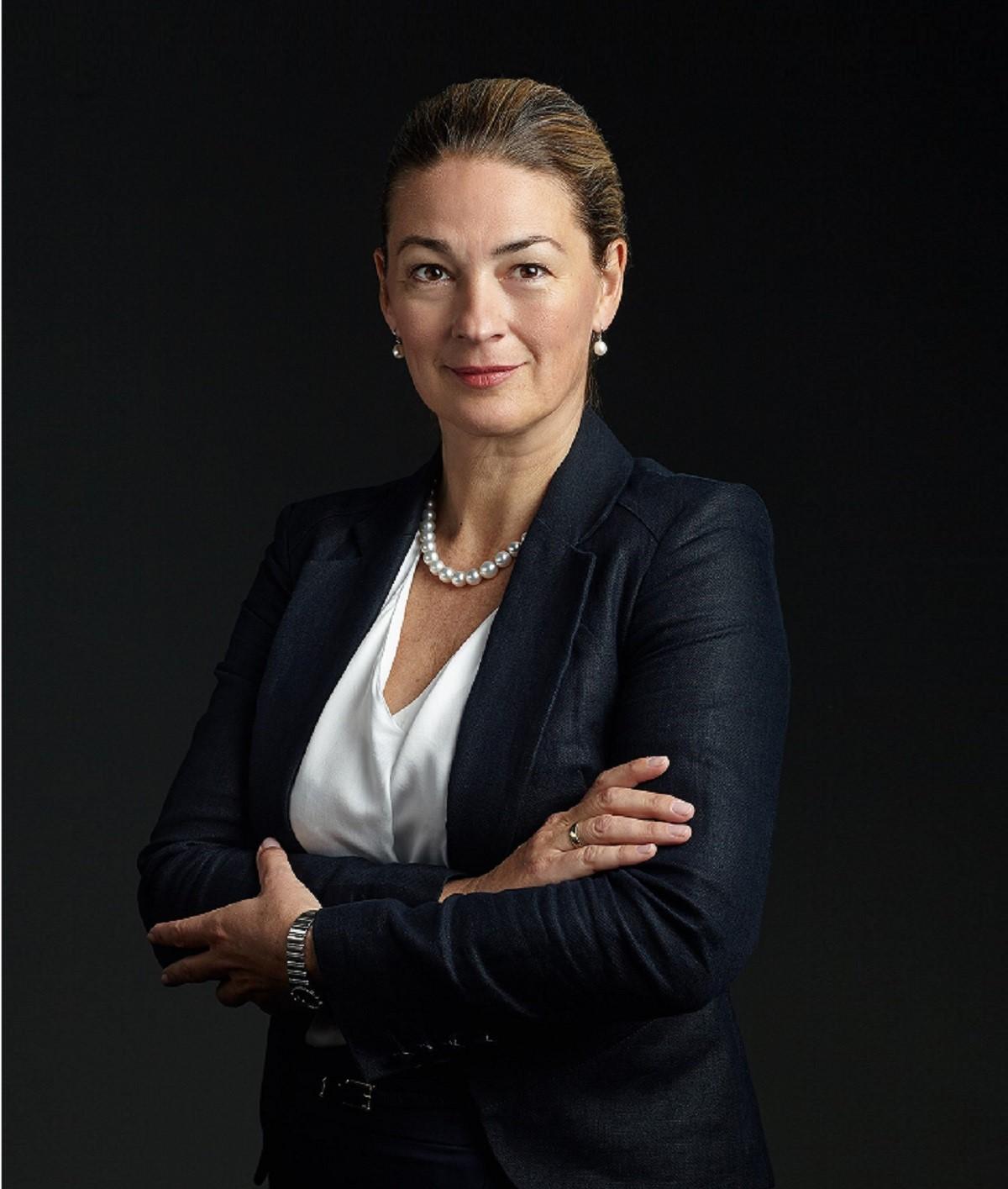 Dr. Bernadett Gáll-Fóris