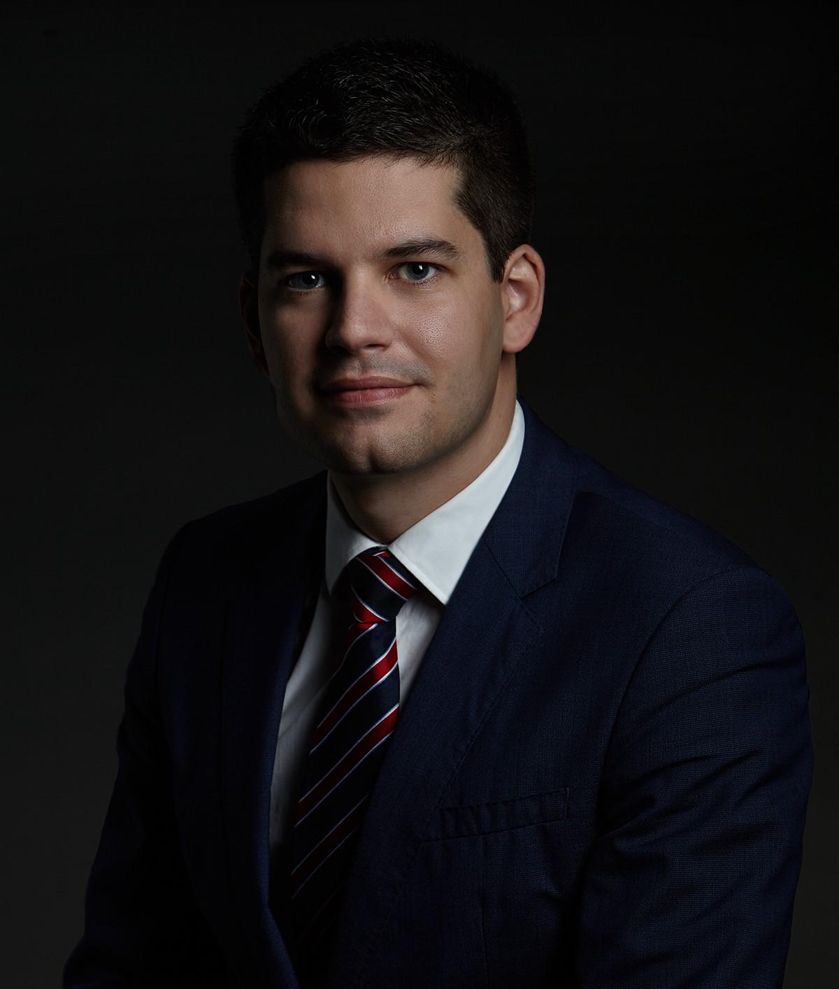 Dr. Zsolt Stubenvoll